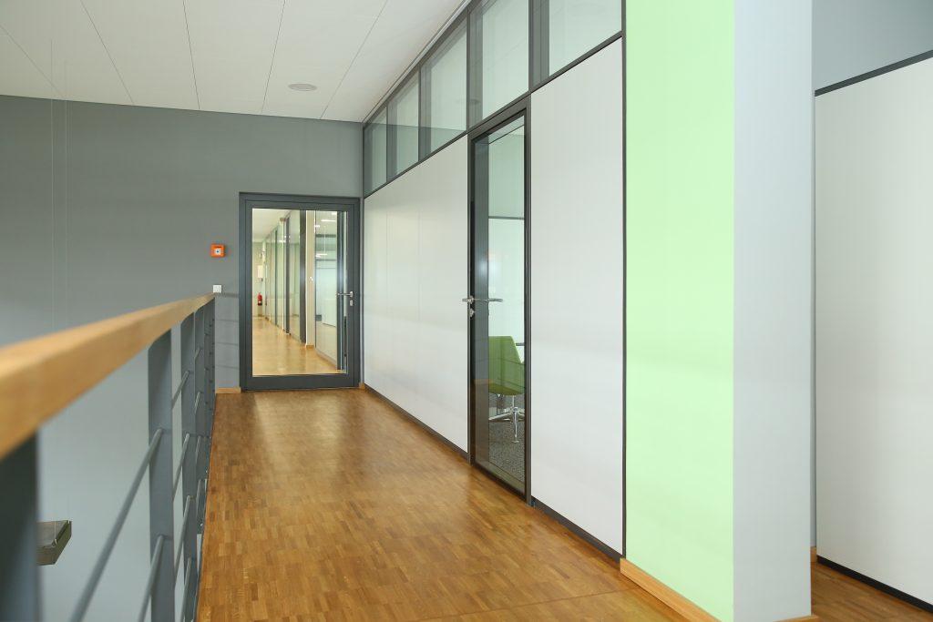 Referenzen, Innenausbau Büro, Glasbuero, Glastuer, Glaswände
