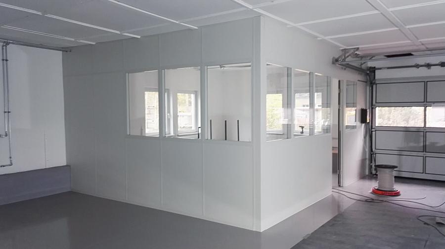 Lagerbüro mit Trennwandsystemen